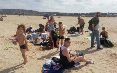 Une journée à la mer pour les familles accueillies à Paris